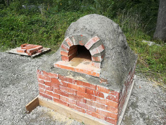 Wie kann ich selber einen Backofen im Garten bauen? Backofen-Bau-Anleitung für Lehmofen