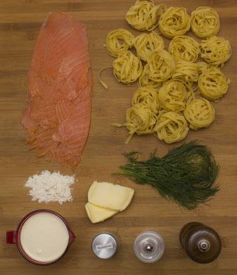 Zutaten für Tagliatelle mit Lachs an Dillrahmsauce