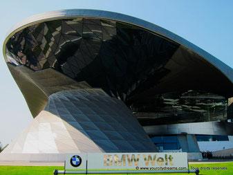 Incontournables Munich: BMW Welt - showroom de BMW à Munich