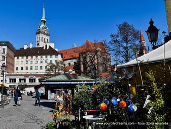 À ne pas manquer: le marché aux victuailles, Viktualienmarkt, à Munich, Bavière