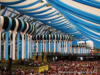 Tourisme en Bavière: Oktoberfest, fête de la bière de Munich