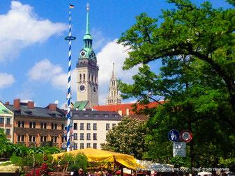 tourisme - Viktualienmarkt, le grand marché de Munich avec ses fontaines et ses Biergarten