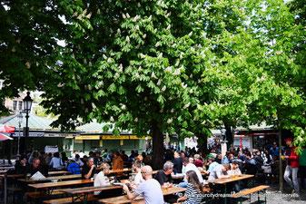 Biergarten am Viktualienmarkt à Munich, Bavière