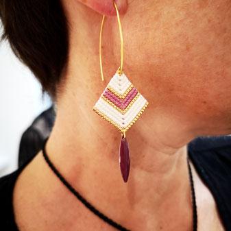 Bijoux couleur ivoire et framboise