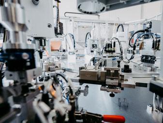 Automatisierungstechnik Montageautomat Kurt Betz GmbH Maschinenbauunternehmen-Heilbronn Lohnfertigung Montage Stahlbau Kabel ablaengen und abisolieren
