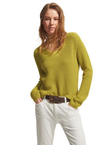 Comma Baumwollpulli grün mit V-Ausschnitt #todayfortomorrow bei Deinem #sunny