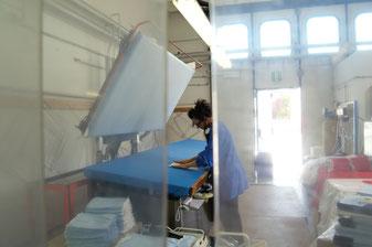 Lavaggio e stiratura capi viene fatto internamente con macchinari industriali.