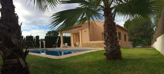 Casa con jardín y piscina en Javea