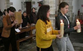 Procession du Livre de la Parole : Une belle manière d'appuyer l'importance de la Liturgie de la Parole