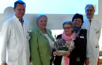 v.l.: Dr. Berghorn, Annemarie Strüber, Frau Dr. Kratz, Ilsedore Heidmann, Prof.Dr. Kirchstein