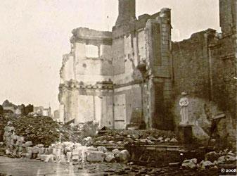 Fig 3 - Hôtel de chepy, après le bombardement de 1940 - Abbeville, Archives municipales