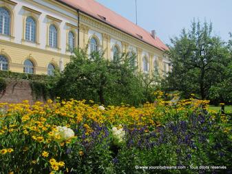 découvrir la Bavière - le château et le jardin de Dachau, sa grande salle renaissance est magnifique