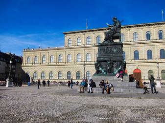 Tourisme - le palais de la résidence des rois de Bavière à Munich