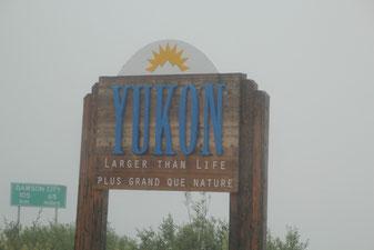 Arrivée au Yukon dans le brouillard