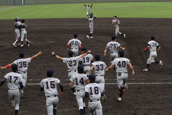 昨年春季を制した硬式野球部は後藤昇新監督の下、常勝軍団を目指す