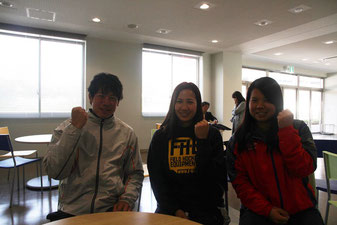左から、大橋さん、山下さん、佐々木さん