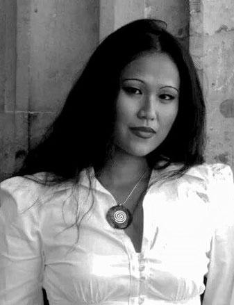 Shanti Sungkono - Diplom-Pianistin und Diplom-Musikpädagogin