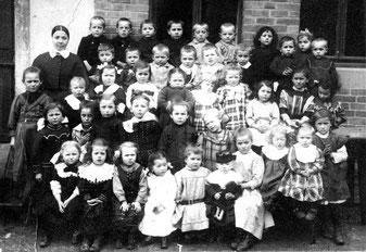 evangelischer Kindergarten Flehingen ca. 1910