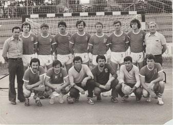 Leszek Krowicki 2. von links stehend mit der Nr. 9  Foto: Privat