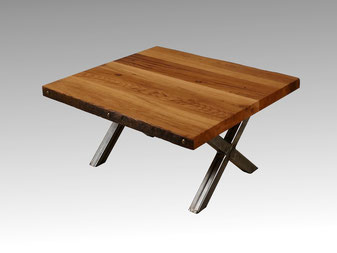 Couchtisch alte Eiche, Tischgestell in Kreuzform