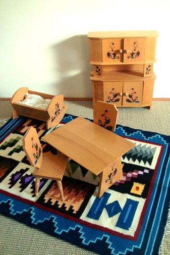 Mobilier poupée, armoire, table, chaise, berceau