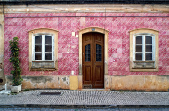 Doors of Portugal Tell Their Story photo credit: Pixabay @Mafambani