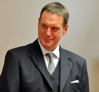 Dieter A. Sonnenholzer ist Münchner Trainer, Berater, Coach, Buchautor und Redner