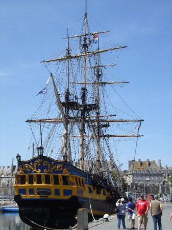 """"""" Etoile du Roy"""" Replika der HMS Indefatigable"""