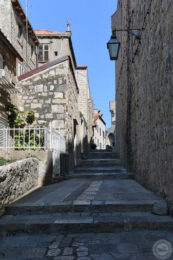 Blick in die engen Gassen der Altstadt von Dubrovnik