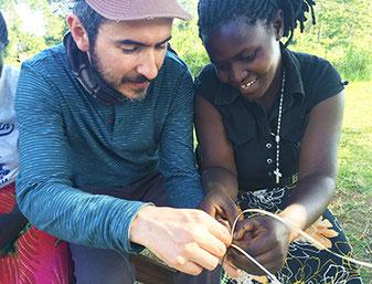 Lerne von den lokalen Unternehmern sowie sie von dir lernen (Bild: africasustainabletourism.org., zum vergrössern klicken)