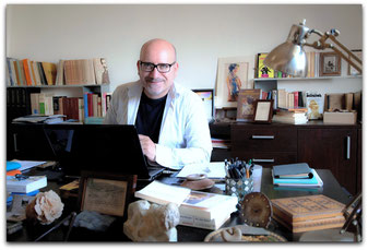 contacter un biographe familial  écriture récit de vie témoignage écrivain public trouver un correcteur rewriter en Normandie auteur conseil
