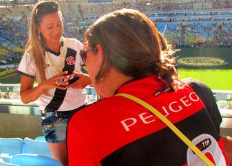 weisses Trikot für Vasco - rot für Flamengo