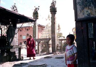 zwei hinduistische Säulen