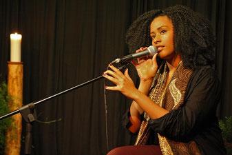 歌の雰囲気が出ている女性ボーカル