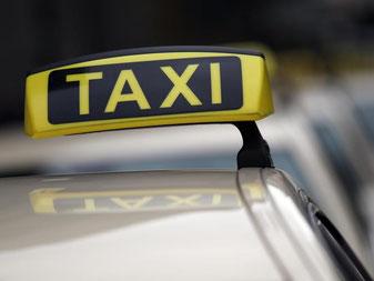 Der Mindestlohn zieht auch in die Taxibranche ein. Viele Unternehmer wollen deshalb die Preise anheben. Foto: Oliver Berg/Archiv