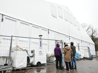 Die Zahl der Flüchtlinge im Land steigt vor Weihnachten. Foto: Uwe Anspach/dpa