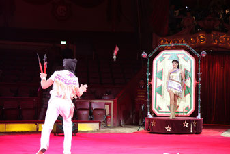 Messer Show Spektakel des Weltrekordhalters!