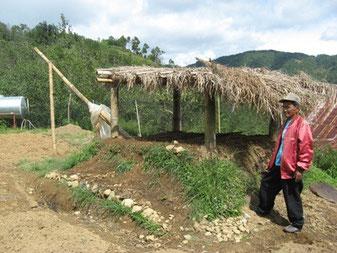 コロスにあるCGNモデル農場の木酢採取施設