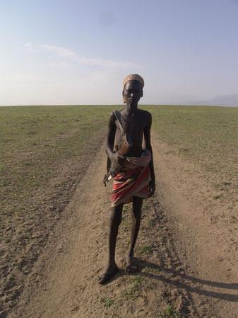 дорога из Эфиопию в Кению через земли племени Дасенеч