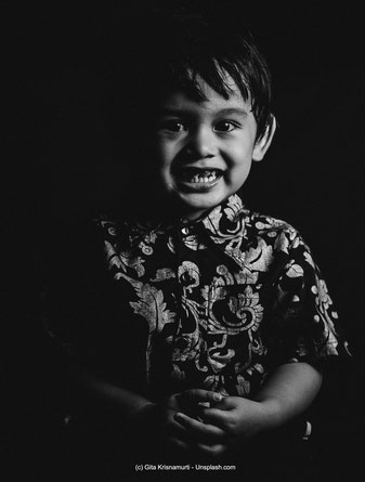 Der INFJ-T als kind gilt oft als Problemkind, das schnell in die ADHS-Ecke gestellt und medikamentiert werden kann.