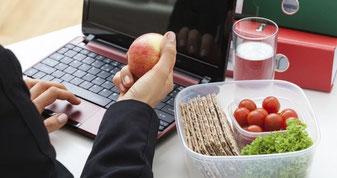 pausa-pranzo-mangiare-in-ufficio-menù