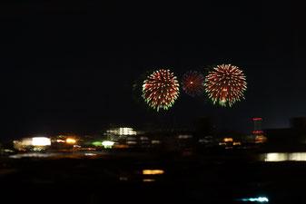夜には海岸の方角で花火☆今年初の打上げ花火