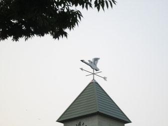 福島駅前の「風見鶏」は「白鳥」なんですよ!