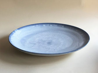 もみ灰釉呉須染皿