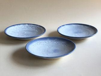 もみ灰釉呉須染取皿