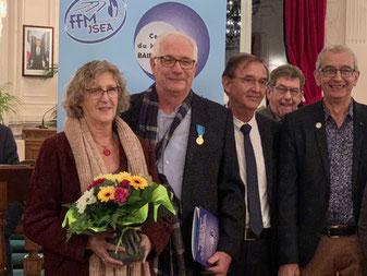 Alain CHEVALIER son épouse, Emile CANU, Christian HARDY et Alain GOUPY