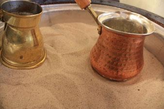 nicht abwarten und Tee trinken, lieber gleich buchen und dann  eine straken Mokka ;)