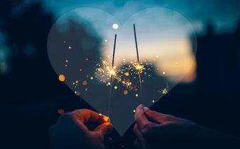 Wunderkerzen, anstoßen aufs neue Jahr