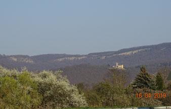 Herrliche Landschaften, Kalkklippen der Goberthöhen mit Schloß Rothestein