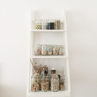 storage idea for supplies, Regal mit Schmuckzubehör